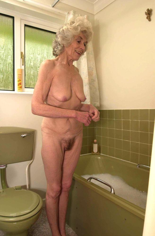 порно фото зрелых и старых в ванной