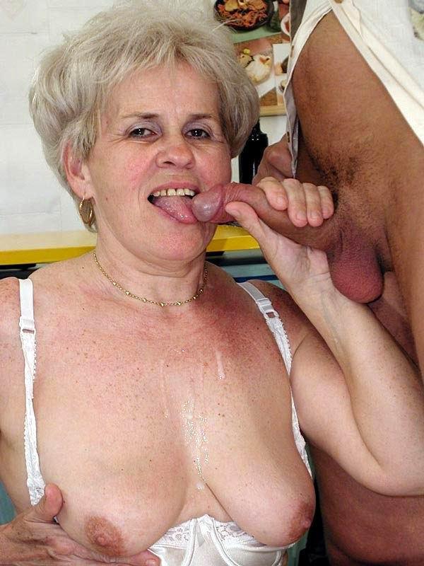 бабушки и внуки в бане порно