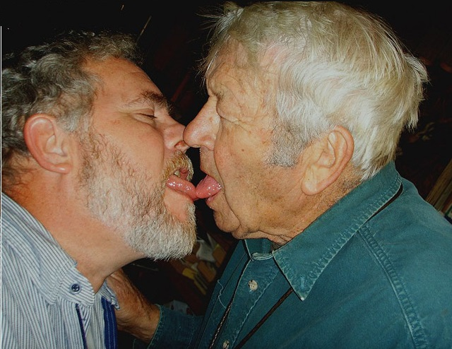 Знакомств пенсионеров геев для сайты