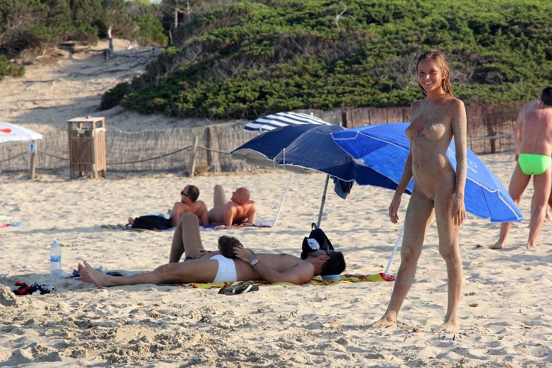 Фото красивых девушек на пляже нагишом 6 фотография