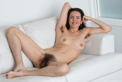 голая ноги волосатые фото
