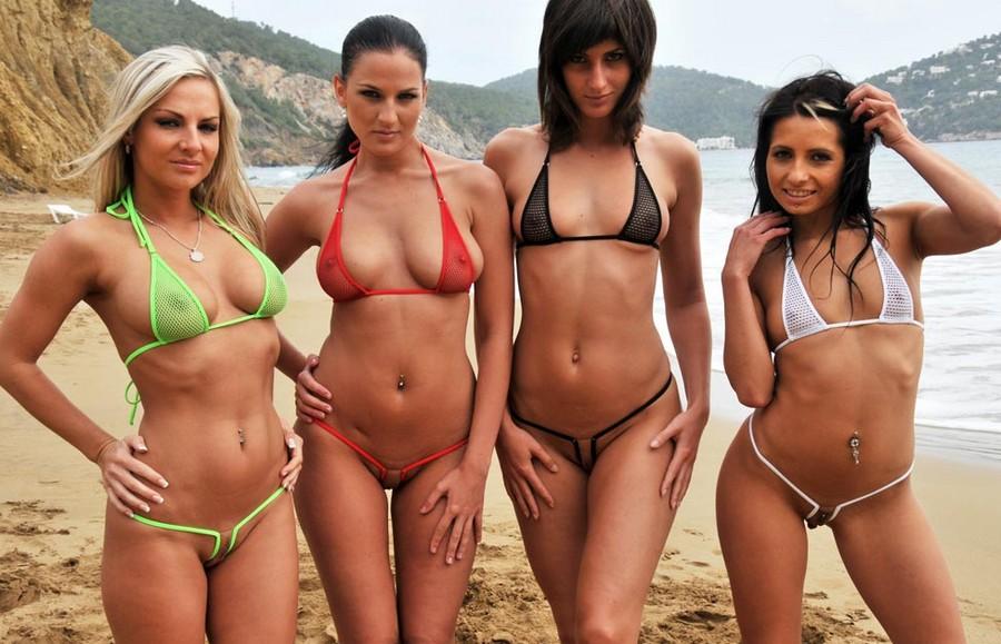 Мини бикини на пляже видео фото 101-948