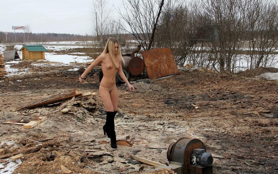 частное фото нудисток в деревне