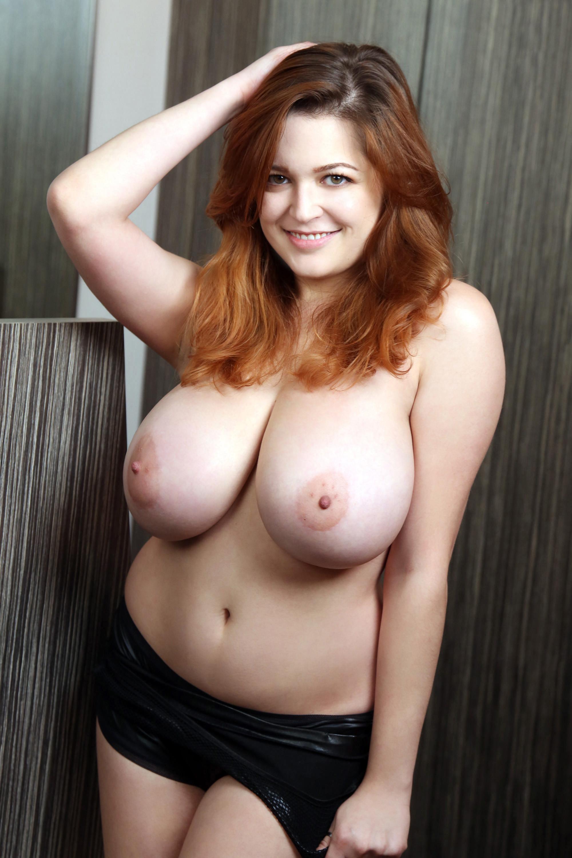 голые натуральные большие сиси