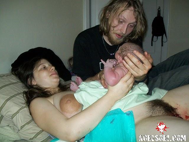 Голые жены рожают фото