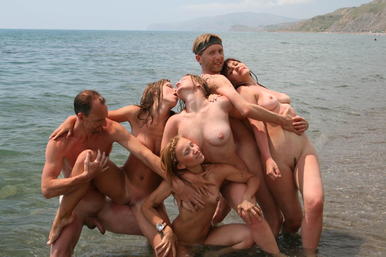 foto-s-nudistskih-plyazhey-retro